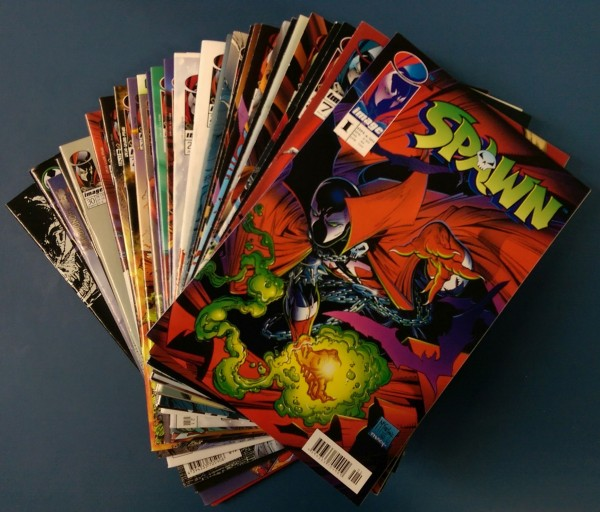 Paket 4098 Spawn (Kiosk) 1,7,9-30,32, Spawn Sonderheft 1+2, Spawn vs. Batman, Curse of the Spawn Toy